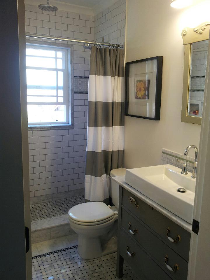Victoria's finished bathroom, with the first ever FAT Paint'd piece!